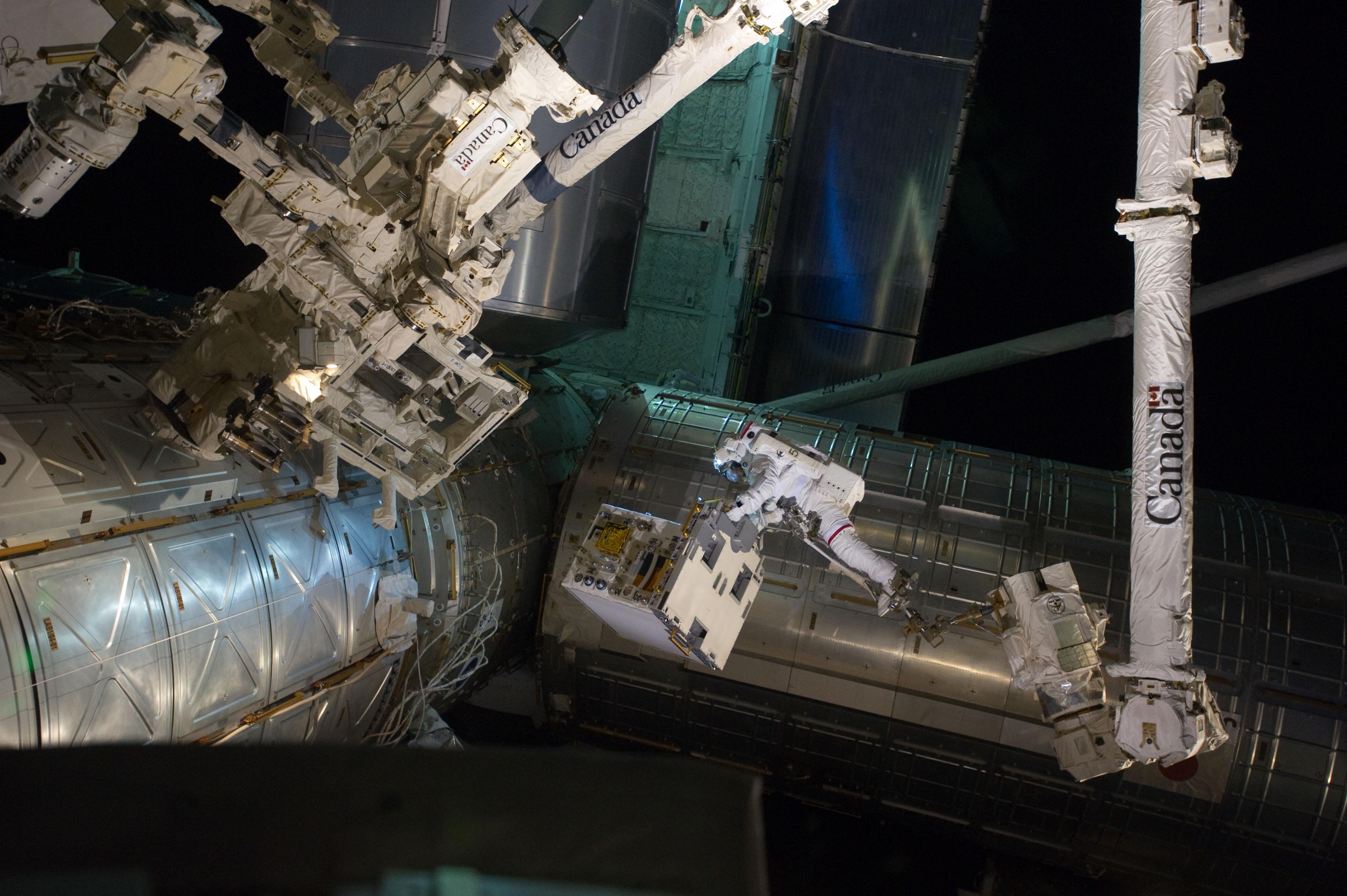 Mike Fossum during EVA (Image Credit: NASA)