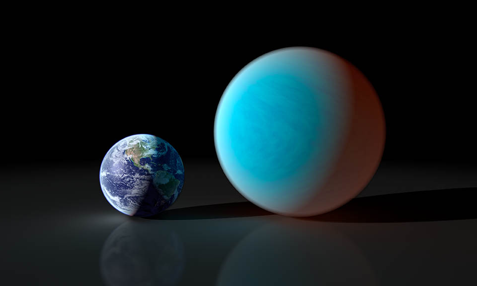 "Earth and the ""Super Earth"" 55 Cnc e. Artist conception (NASA/JPL-Caltech/R. Hurt (SSC))"
