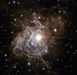Figure 1: The Cepheid RS Puppis, one of the brightest and longest-period (41.4 days) Cepheids in the Milky-Way.  The striking appearance of this Cepheid is a result of the light echoes around it. Image taken with the Hubble Space Telescope.
