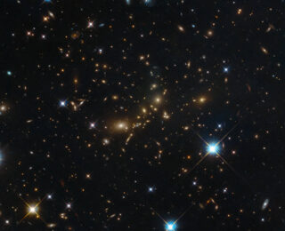 Hunting for stellar splashback: defining the size of a galaxy cluster