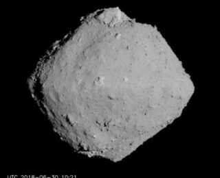 UR: Characterising the Risk to Earth of Potentially Hazardous Asteroids